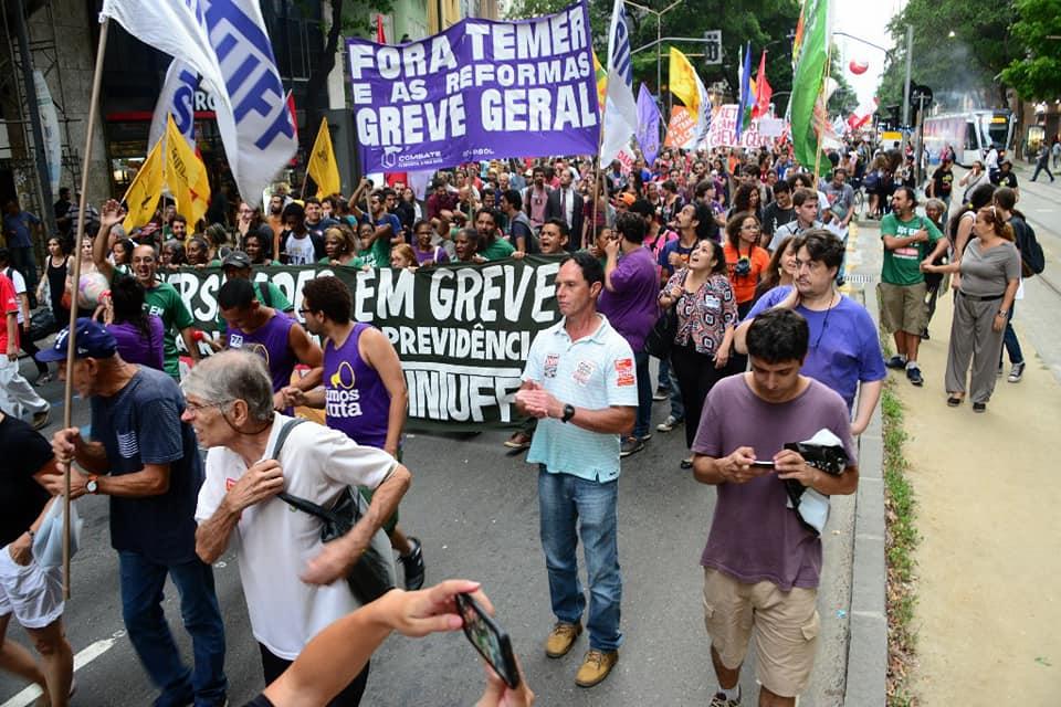 Com críticas ao recuo e à conciliação, trabalhadores reafirmam luta contra a reforma da previdência PETROS 3