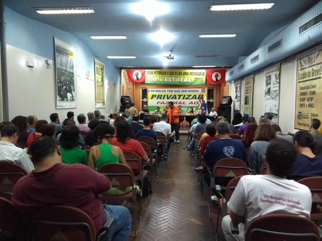 Em plenária realizada no Sindipetro-RJ entidades anunciam apoio à Greve Nacional Petroleira Plenari 29 5 a