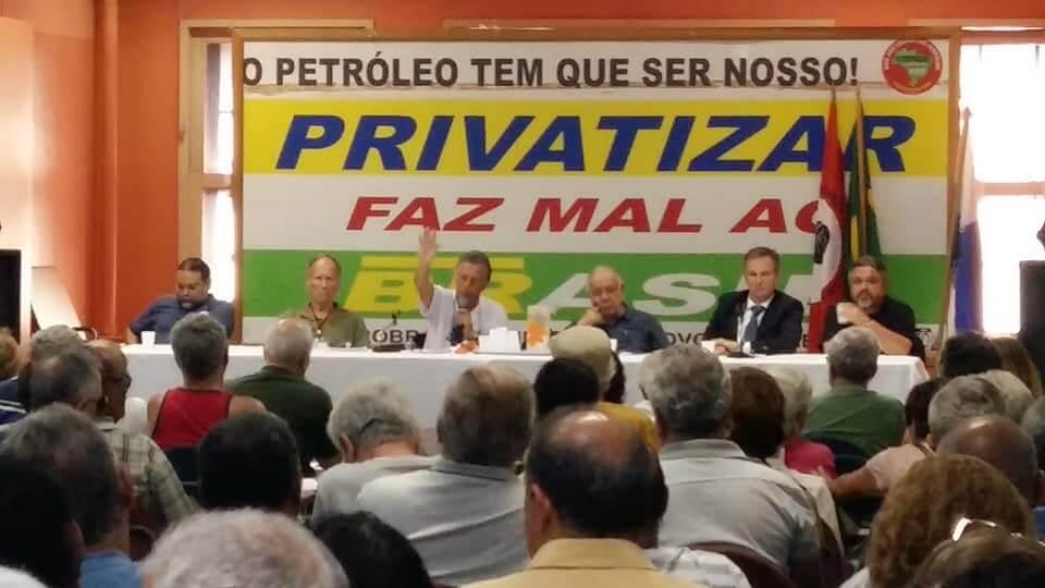 Reunião dos Aposentados recebe representantes do Fórum em Defesa da Petros que explicam proposta alternativa ao PED mesa PED
