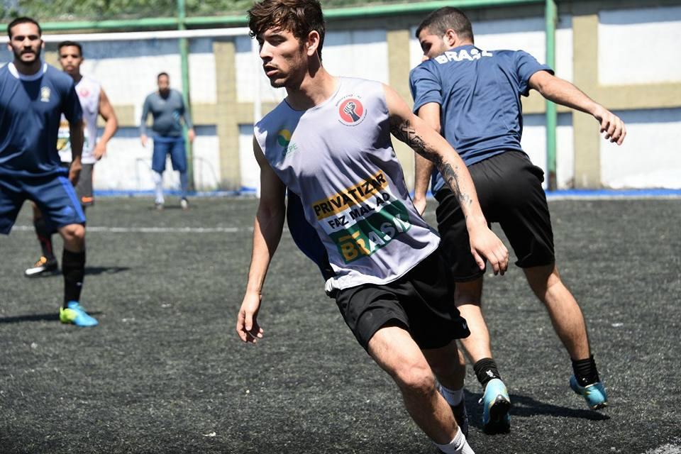 """""""Abriu, chuta!"""" vence final contra os """"Petrogaláticos"""" no Torneio Início da I Copa Sindipetro RJ de Futebol Society. 21558643 1784132208295549 1973179588504651117 n"""