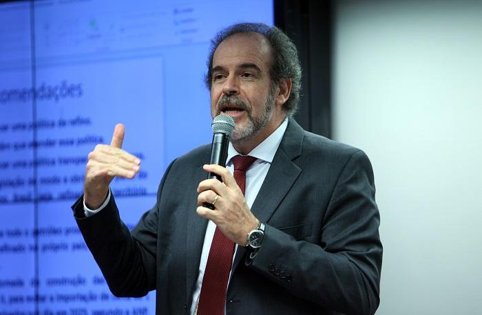 Consultor da Câmara questiona aplicação do regime de partilha no Pré-sal Paulo Cesar
