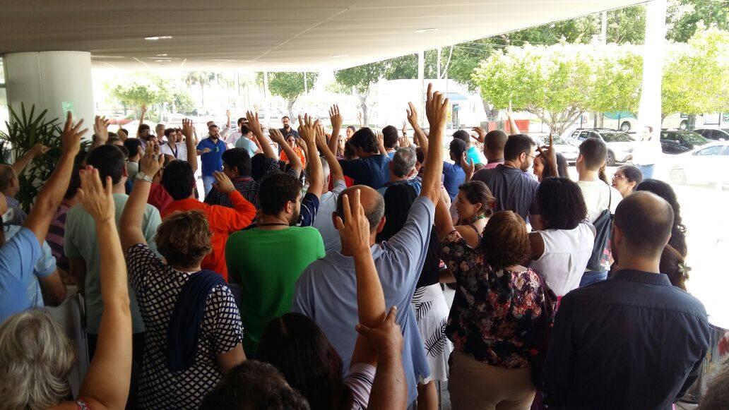 Maioria da base do Sindipetro-RJ vem rejeitando proposta da Petrobrás e aprovando greve dia 3/1 25487463 1992222944153140 5670138524230839714 o
