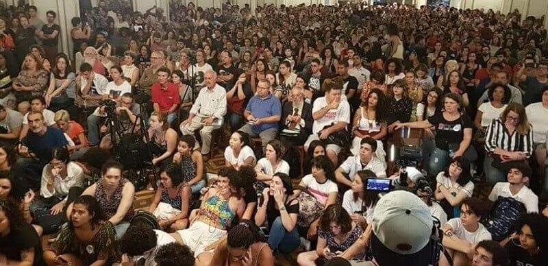 Frente Unitária ganha corpo em encontro no Rio Frente Unit  ria